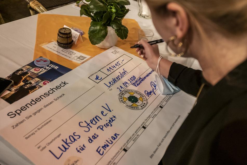 11.415 Euro an Spenden sammelte die Deutsche Köche-Nationalmannschaft in Leukersdorf ein.