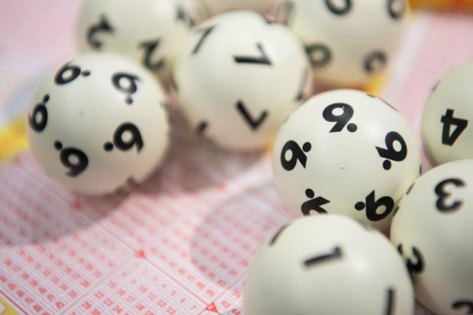Auf der Suche nach dem Glück haben Lotto-Spieler in der Corona-Krise ihr Verhalten den Umständen angepasst. (Symbolbild)