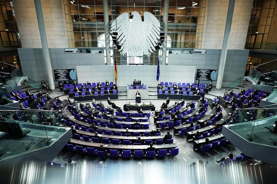 Bundestag beschließt neue Bürger-Nummer: 50 Behörden sollen alles über jeden Deutschen erfahren!