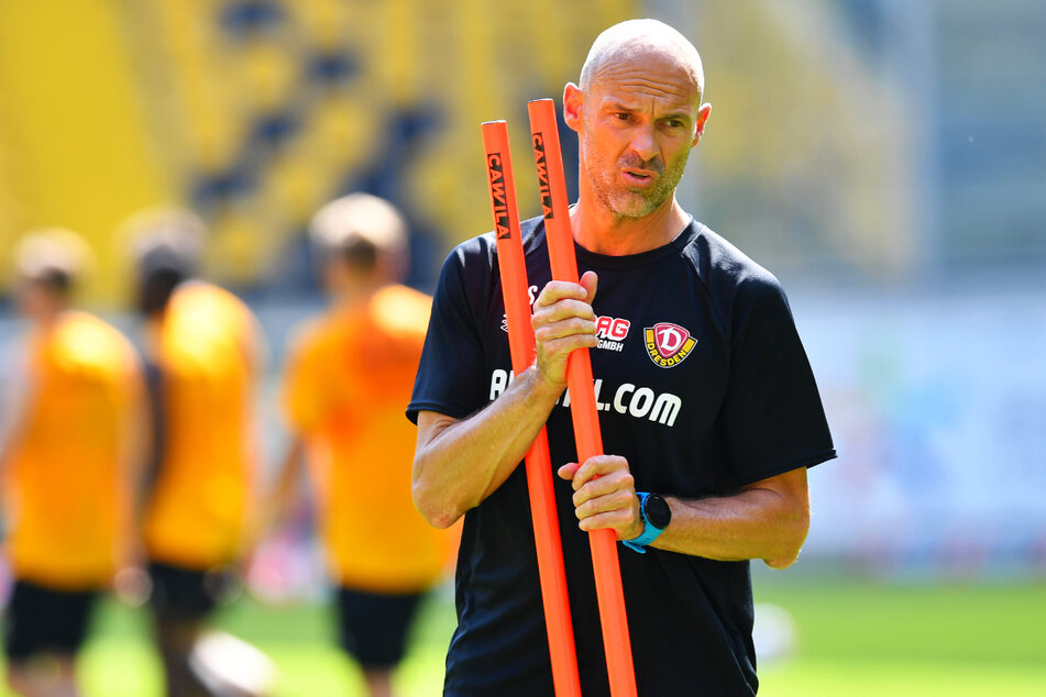 Dynamo-Coach Alexander Schmidt (52) hat mit Meissa Diop (18) und David Hummel (19) gleich zwei Nachwuchsstürmer im Probetraining.