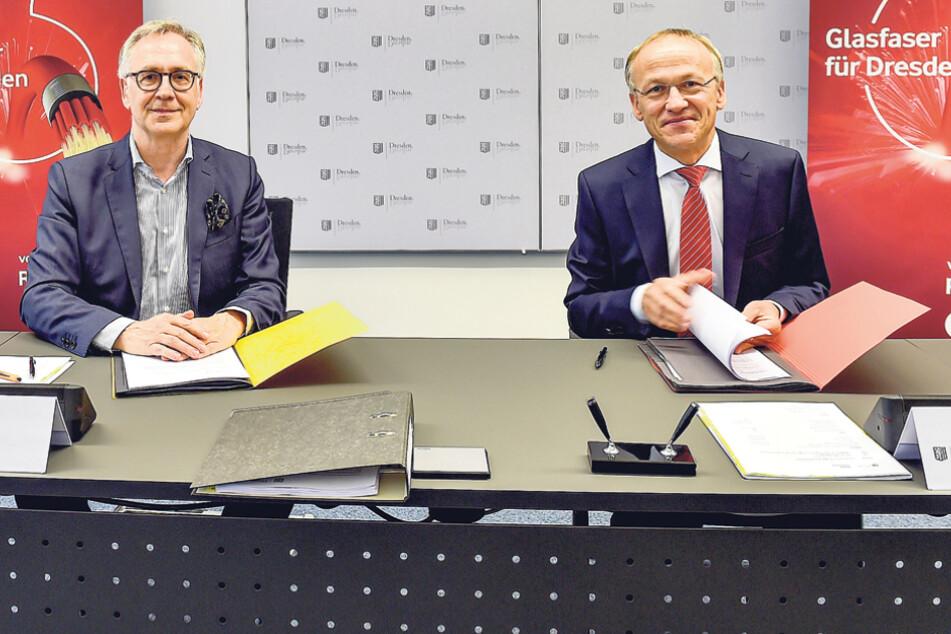 Der Glasfaser-Chef von Vodafone, Rolf-Peter Scharfe (l.), und Bürgermeister Peter Lames unterzeichneten gestern die Kooperation.
