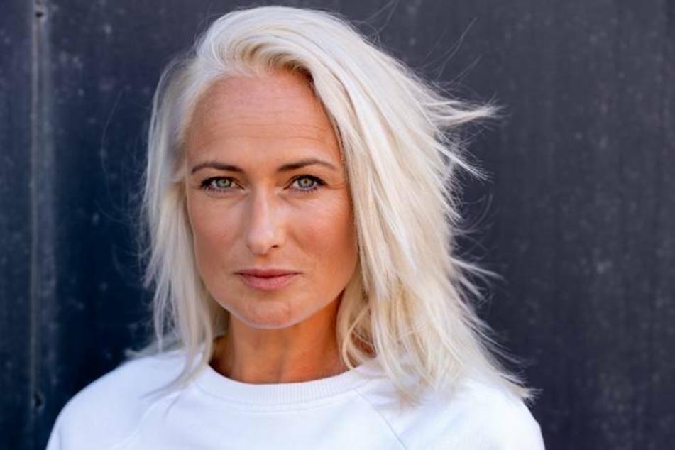Jetzt trägt Eva Mona Rodekirchen (44) ihre Haare deutlich kürzer und platinblond.