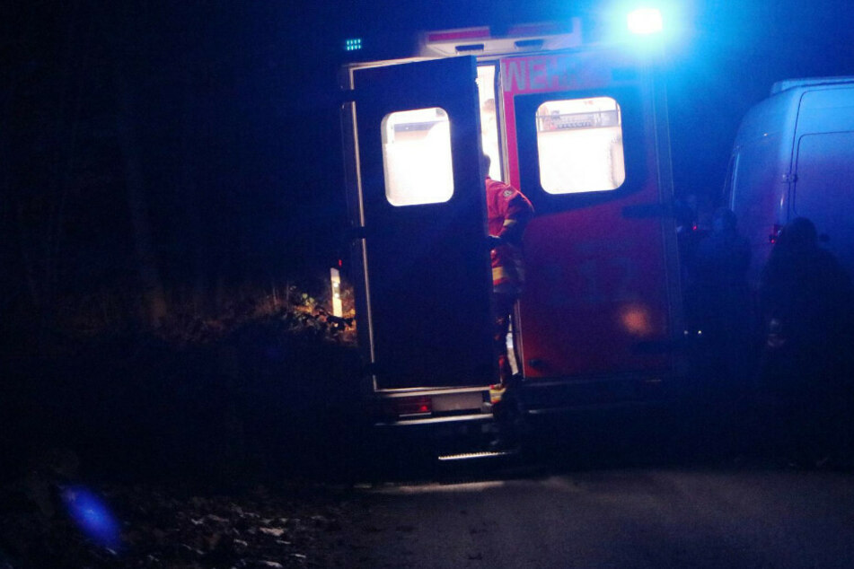 Der Transporter-Fahrer kam mit einer Oberschenkelverletzung ins Krankenhaus.