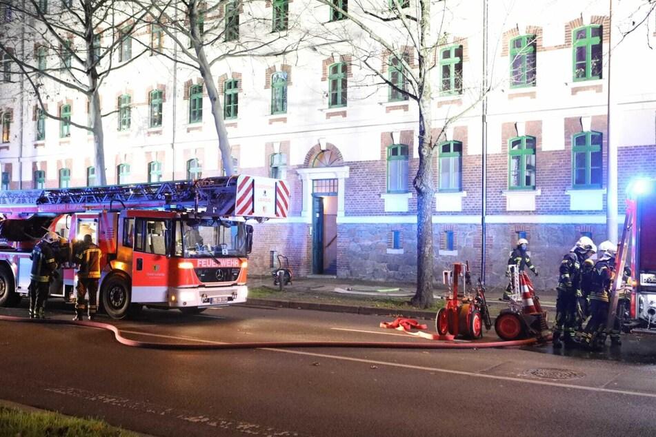 Leipzig: Leipziger Wohnung in Flammen: 61-Jähriger zündet Kerzen an und schläft ein