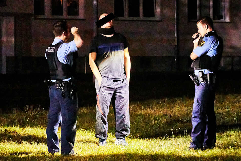 Am 29. August wurde der Verdächtige in der Nähe des Kellerbrandes von Polizisten befragt.