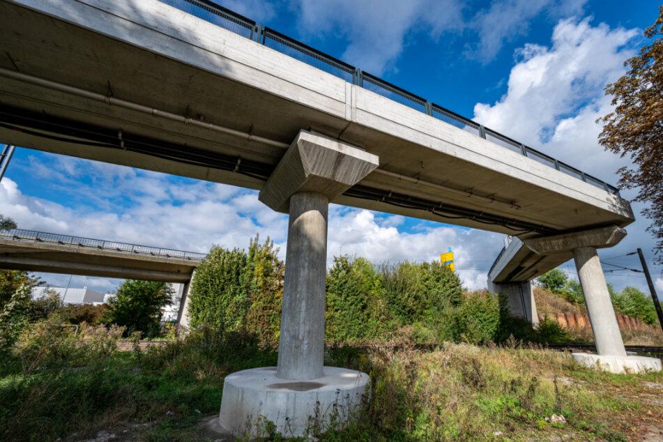 900.000 Euro für kaputte Fahrradbrücke: Wer ist schuld an der Misere?