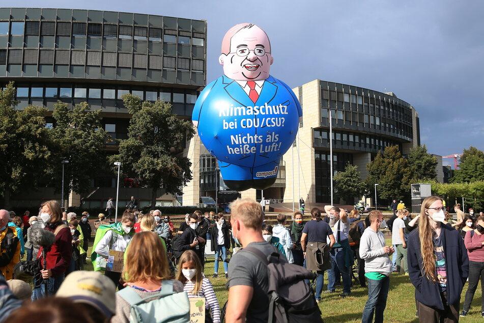 Laut Polizei kamen etwa 1000 Menschen zur Demo von Fridays for Future nach Düsseldorf.