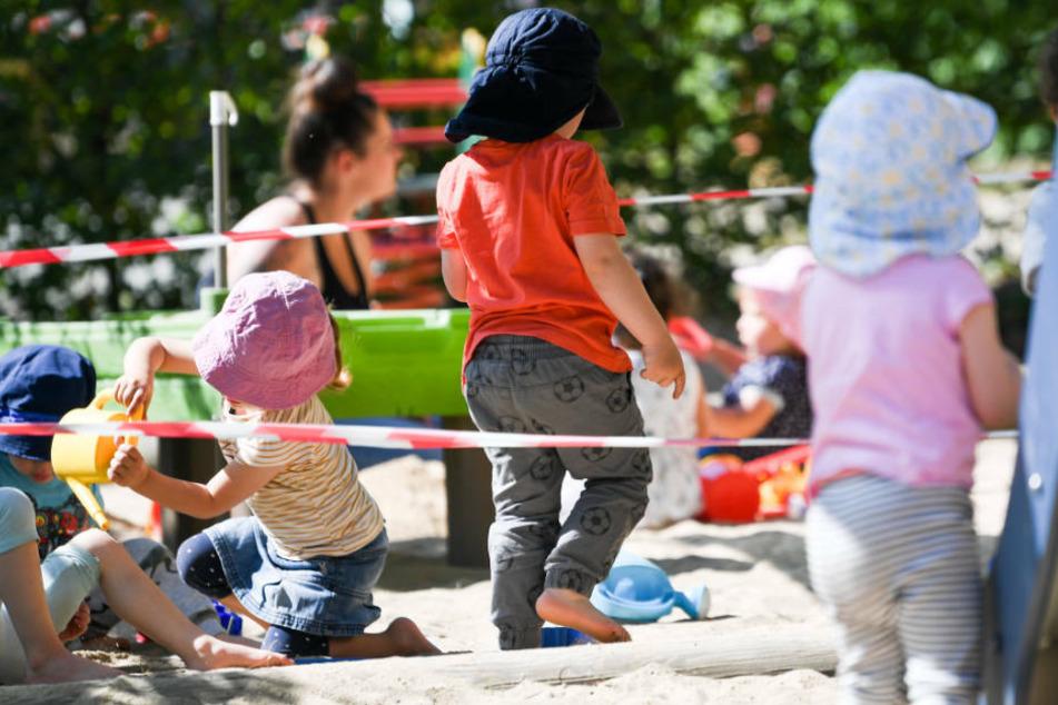 Rund 80 Kinder sollen nun in Quarantäne geschickt werden. (Symbolbild)