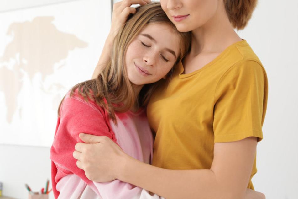 Die überaus besorgte Mutter wollte ihre Tochter wohl etwas zu sehr beschützen. (Symbolbild)