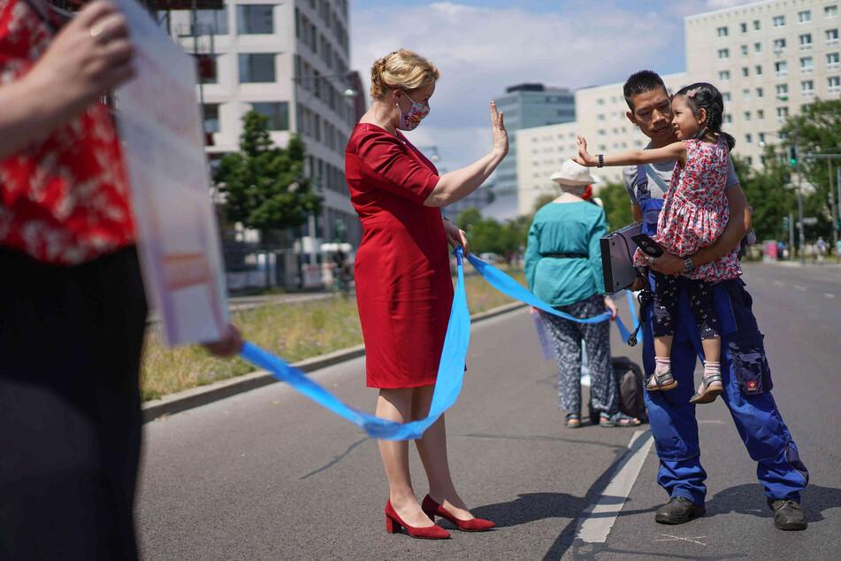 """Franziska Giffey (42, SPD) ist eine prominente Teilnehmerin der Demonstration """"Unteilbar"""", die am Sonntag in Berlin stattfand."""