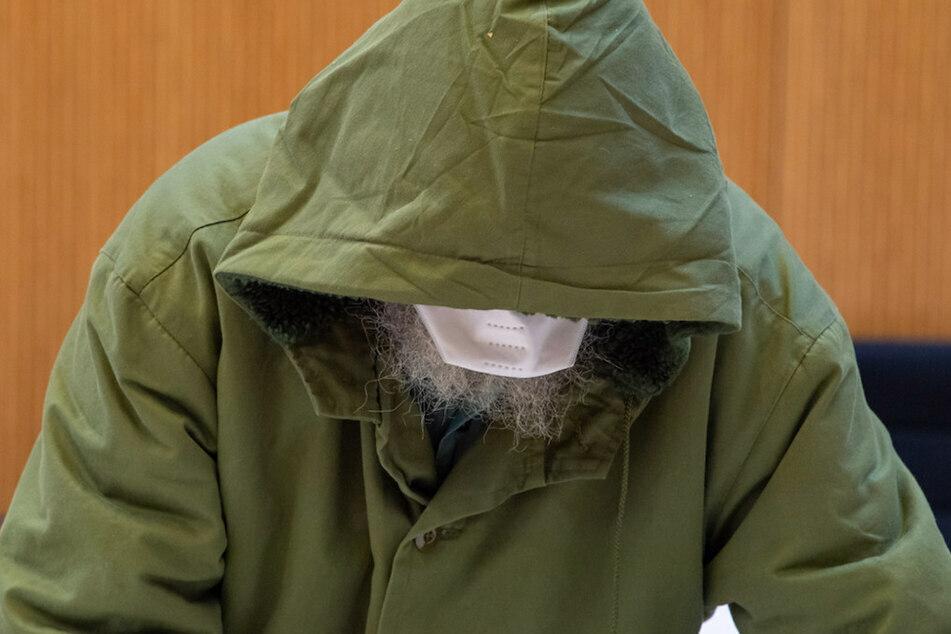 Der angeklagte Großvater, der selbst in dem Heim missbraucht worden sein soll, während einer Verhandlung. (Archiv)