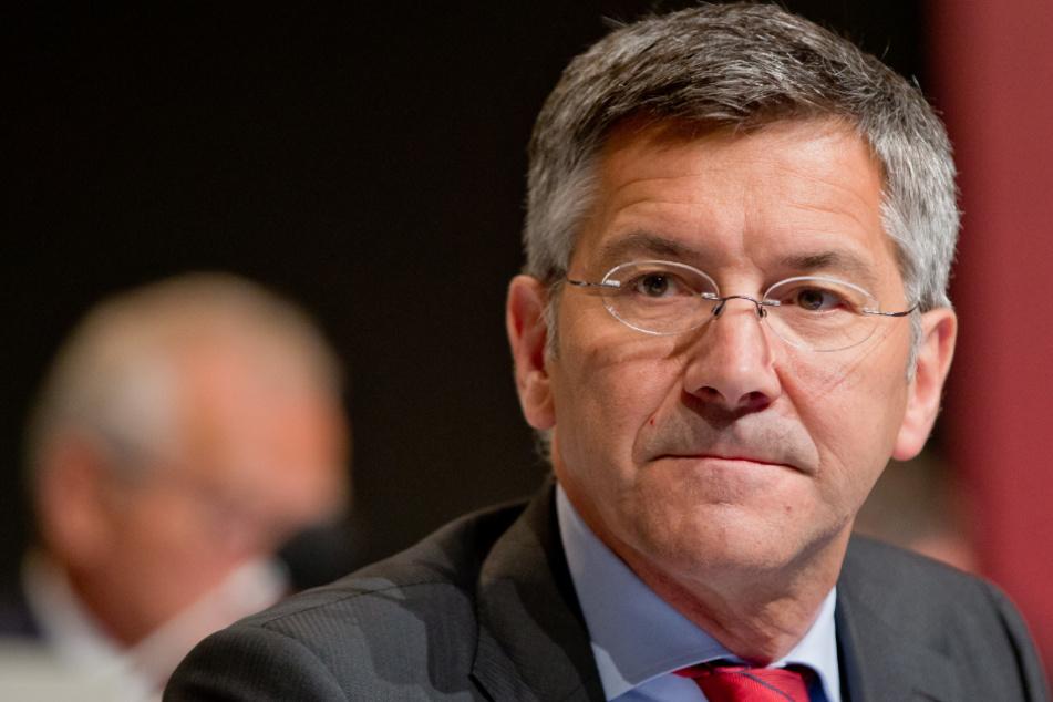 Bayern-Präsident Herbert Hainer (66) spricht Klartext.