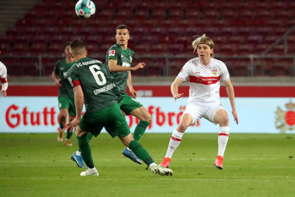 Luca Mack (20) feiert gegen den FC Augsburg sein Bundesliga-Debüt.