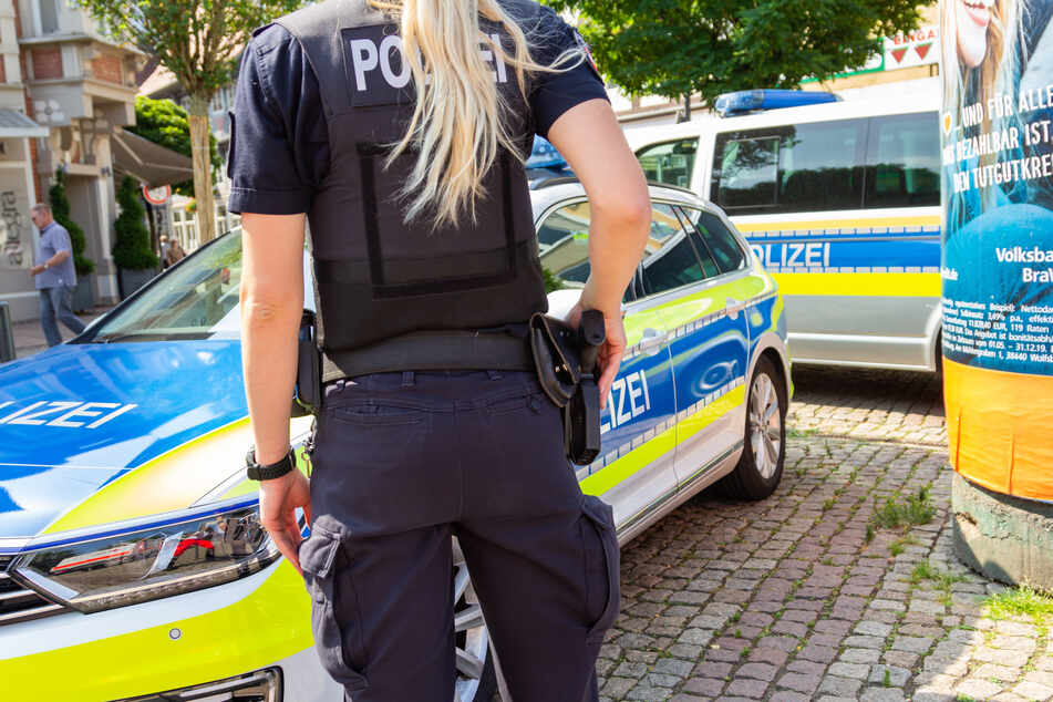 Die Polizei sucht nach einem Mann, der eine 33-jährige Frau in Bonn begrapscht und bedrängt haben soll. (Symbolbild)