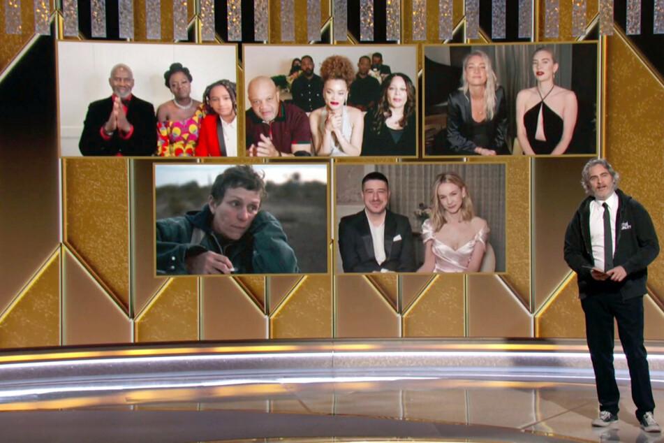 """Neben """"Borat"""" und """"The Crown"""": Das sind die Gewinner der Golden Globes 2021"""