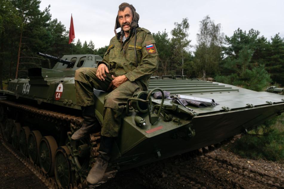 Lautes Vergnügen mit altem Russen-Ungetüm: Mit dem Panzer durch die Lausitz!
