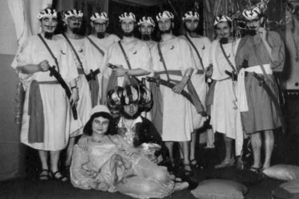 """Erinnerung an alte Zeiten: Im Februar 1962 feierte der Faschingsclub unter dem Motto """"Empfang beim Sultan Mustapha""""."""