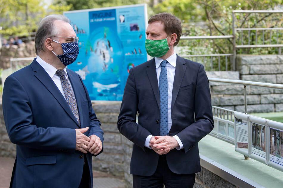 Im Bergzoo Halle trafen die beiden Ministerpräsidenten aufeinander.