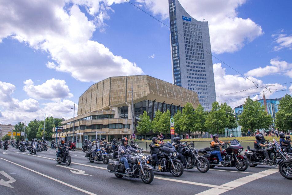 In Leipzig fuhren 17.000 Biker vom Paunsdorf Center zum Innenstadtring.
