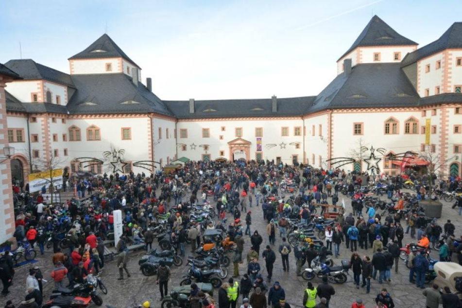 1700 Biker stürmen Augustusburg