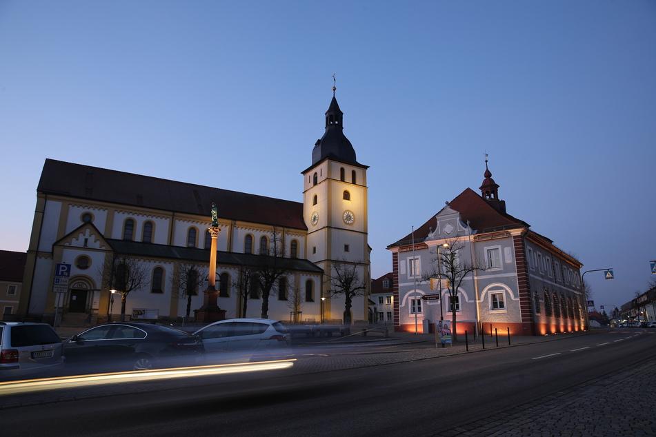 Der Kirchplatz der Stadt Mitterteich im bayerischen Landkreis Tirschenreuth. (Archivbild)