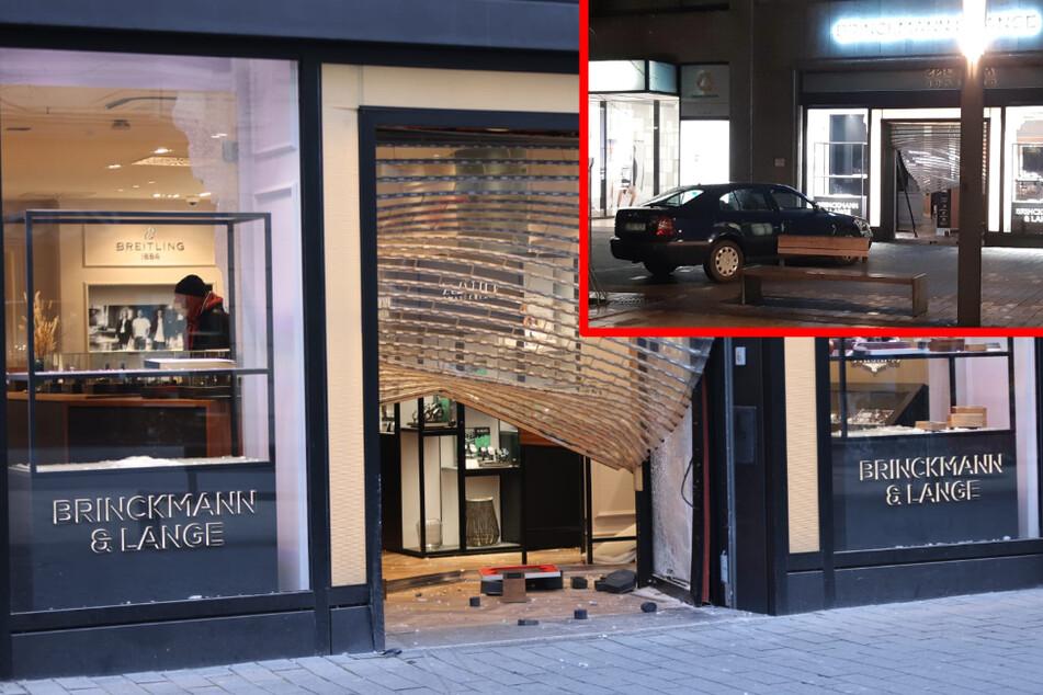 Leipzig: Auto als Ramme: Überfall auf Juwelier in Leipziger City