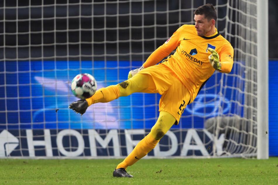 Hertha BSC muss weiterhin auf Torwart Rune Jarstein (36) verzichten, der nach einem schweren Corona-Verlauf an einer Herzmuskelentzündung leidet.
