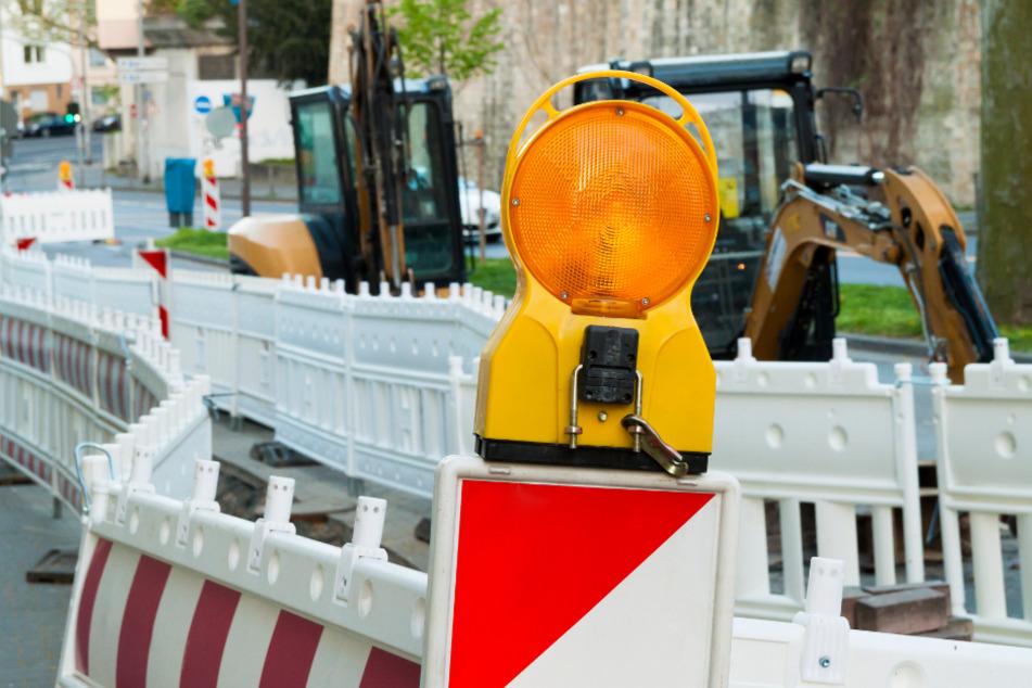 Auf Köln Straßen wird während der Sommerferien gebaut. (Symbolbild)