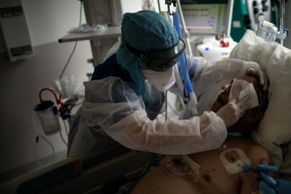 Zurzeit sind in Hessen 155 Betten mit Corona-Patienten belegt. (Symbolbild)