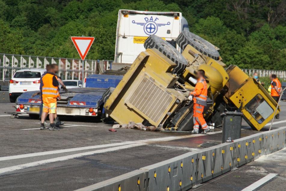 Nach Unfall mit Baumaschine: Autobahn in Richtung Stuttgart gesperrt