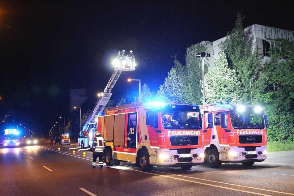 Gegen 23 Uhr traf die Feuerwehr vor Ort ein.