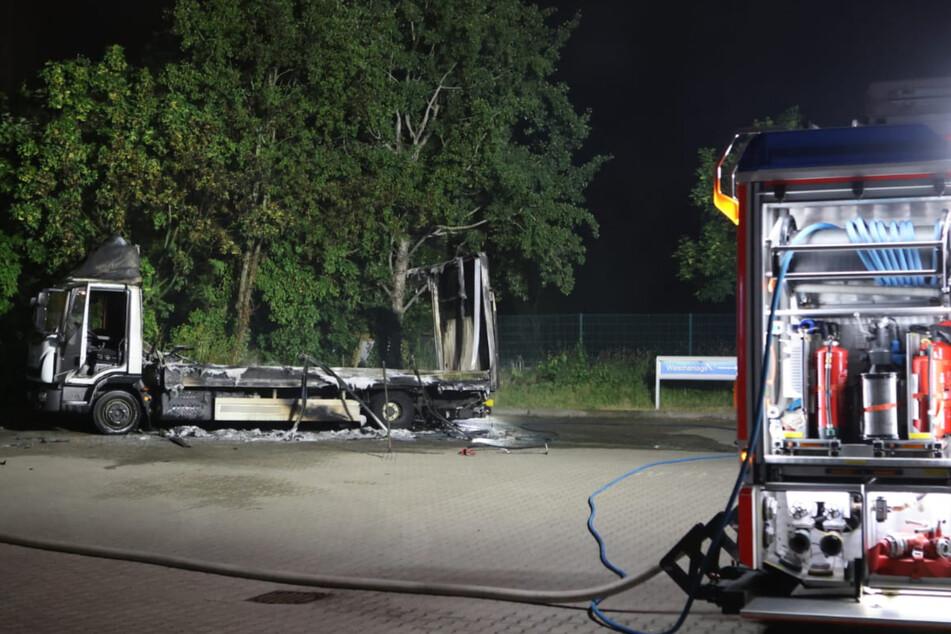 Mit insgesamt drei Einsatzfahrzeugen rückte die Feuerwehr nach Gohlis aus.