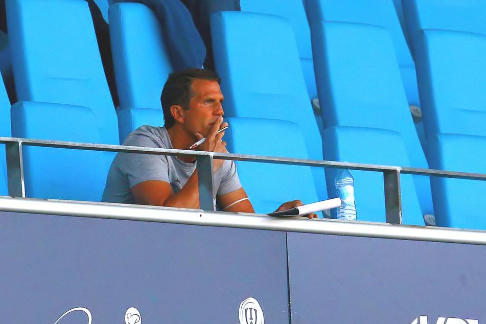 CFC-Trainer Patrick Glöckner musste das Spiel auf der Tribüne anschauen.