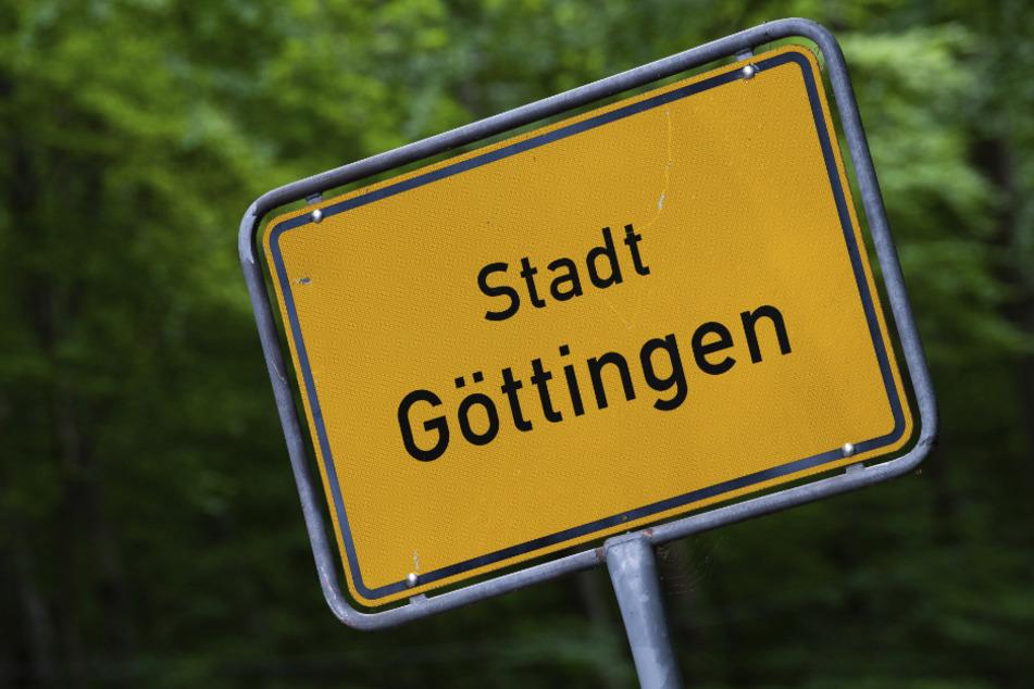 Aufnahme vom Ortsschild der Stadt Göttingen.