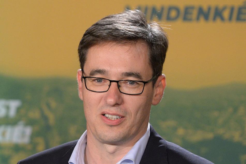 Gergely Karacsony spricht nach der Bürgermeisterwahl in Budapest auf einer Pressekonferenz.