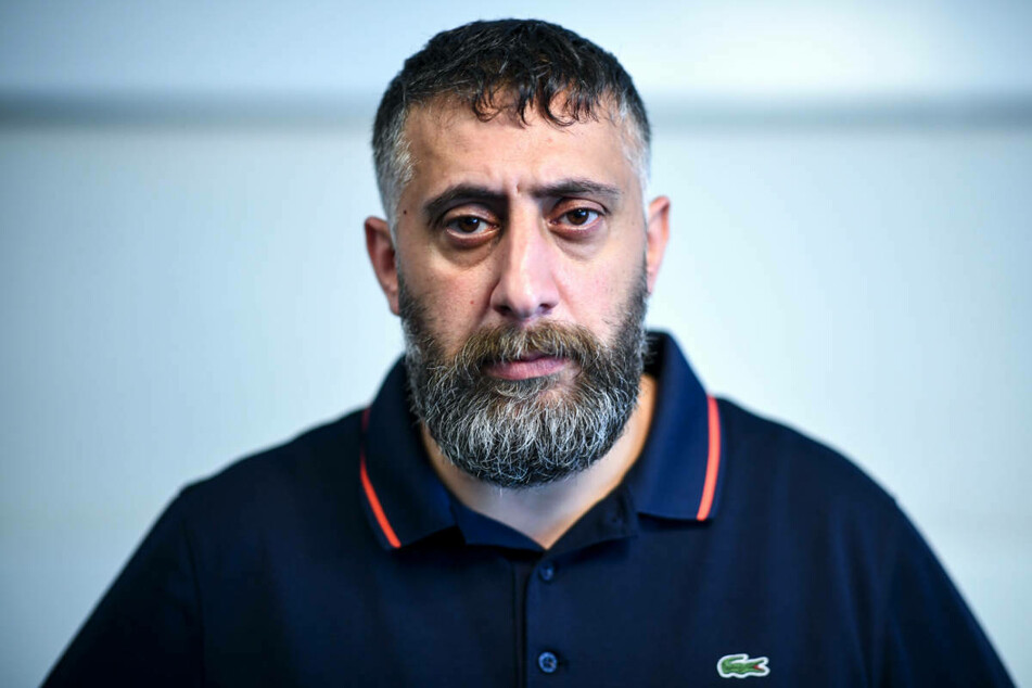 Schauspieler Kida Khodr Ramadan (44) hat gegen die umstrittene #allesdichtmachen-Kampagne einiger Schauspielkollegen Stellung bezogen.