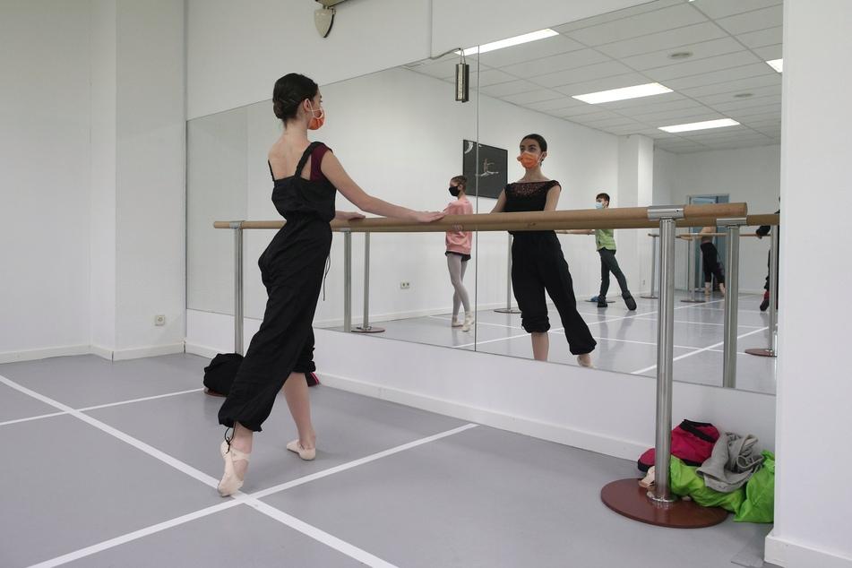 Seit Monaten geschlossen: Tanzschulen wollen Öffnung mit Klage durchsetzen