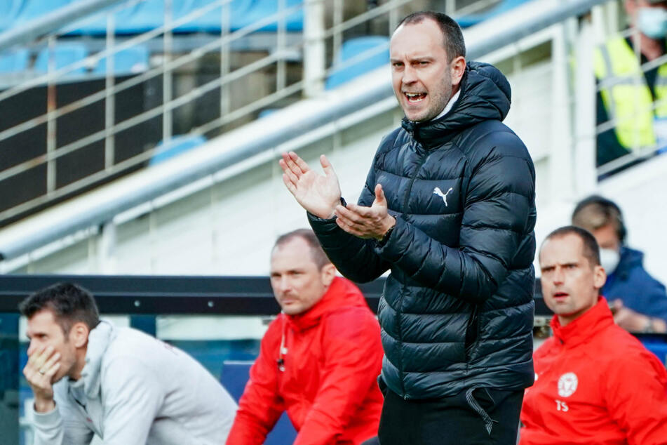 Kiel-Trainer Ole Werner könnte eine erfolgreiche Saison mit dem Einzug ins DFB-Pokal-Halbfinale und dem Aufstieg in die Fußball-Bundesliga krönen.