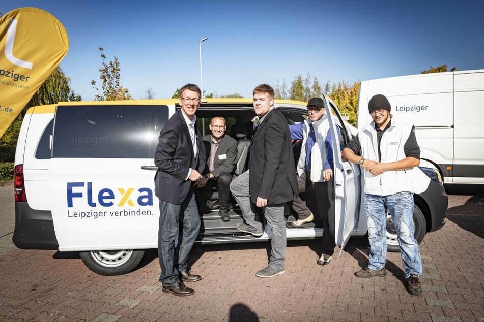 """""""Flexa für Helden"""" - mit Kleinbussen wie diesem wird Klinikpersonal in Leipzig jetzt nachts zur Arbeit gebracht."""