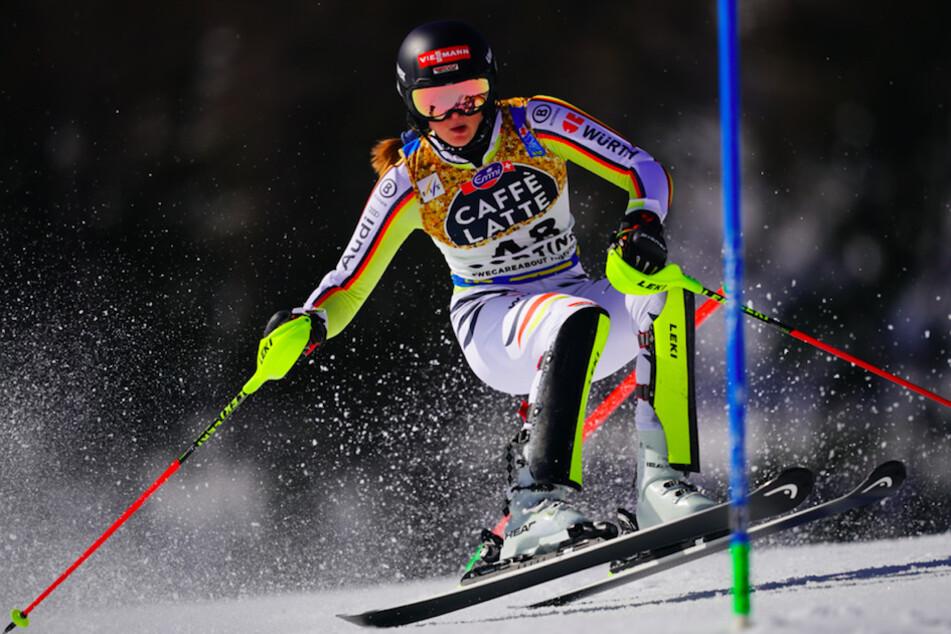Emma Aicher (17) setzten sich im Slalom bei der deutschen Meisterschaft der alpinen Skirennfahrer durch.