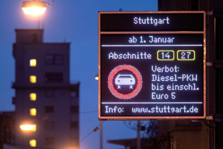Seit dem 1. Januar gilt auf einigen Strecken in Stuttgart ein Fahrverbot für Euro-5-Diesel.