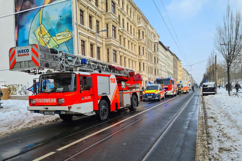 Bei dem Brand an der Neustädter Straße in Leipzig wurden 28 Menschen durch die Feuerwehr evakuiert.