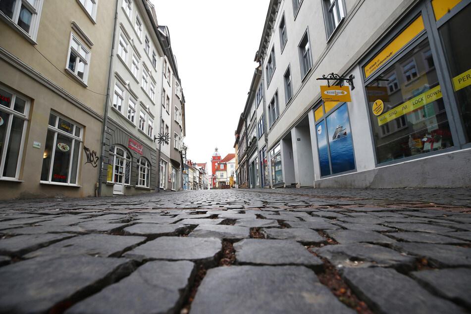 Die menschenleere Fußgängerzone in Gotha. Der Kreis ist aktuell der deutschlandweite Corona-Hotspot. (Archivbild)