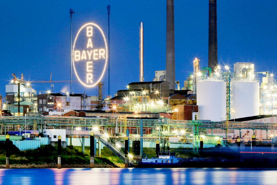 Bayer unterstützt Curevac mit Leistungen im Bereich Entwicklung und Logistik.
