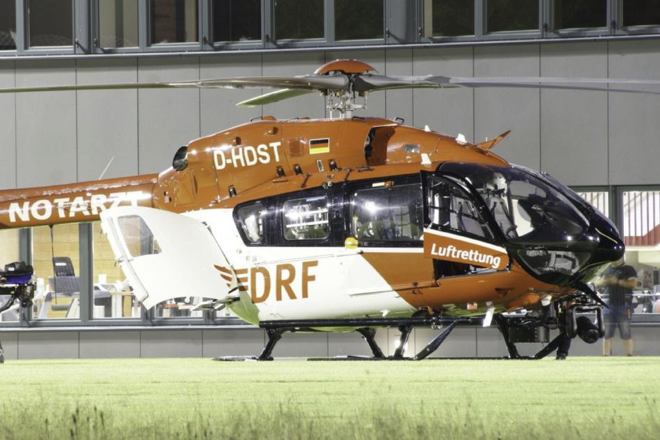 Das zweijährige Kind wurde mit dem Rettungshubschrauber ins Krankenhaus gebracht.