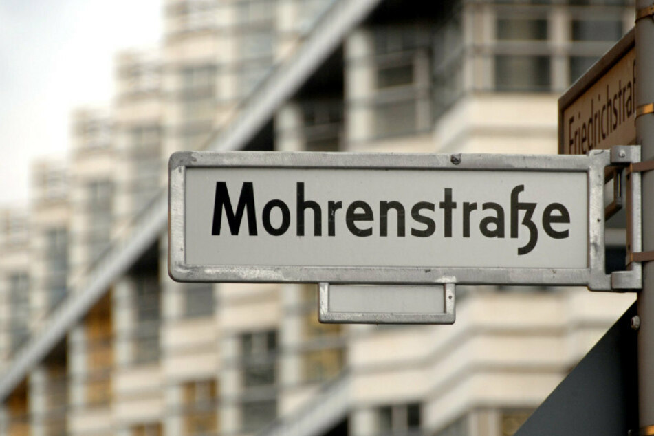 Das Schild zur Mohrenstraße, Ecke Friedrichstraße. (Archivbild)