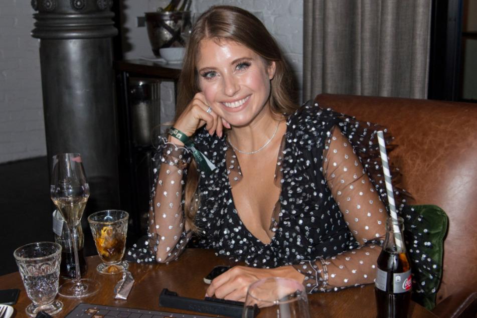 Cathy Hummels, Influencerin, Moderatorin und Spielerfrau.