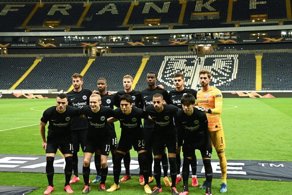 Die Kicker der Eintracht beim Europa-League-Geisterspiel gegen den FC Basel.