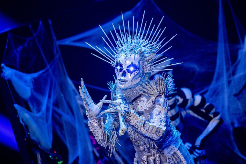 """In der letzten """"The Masked Singer""""-Staffel holte sich Sarah Lombardi (28) als Skelett den Sieg."""