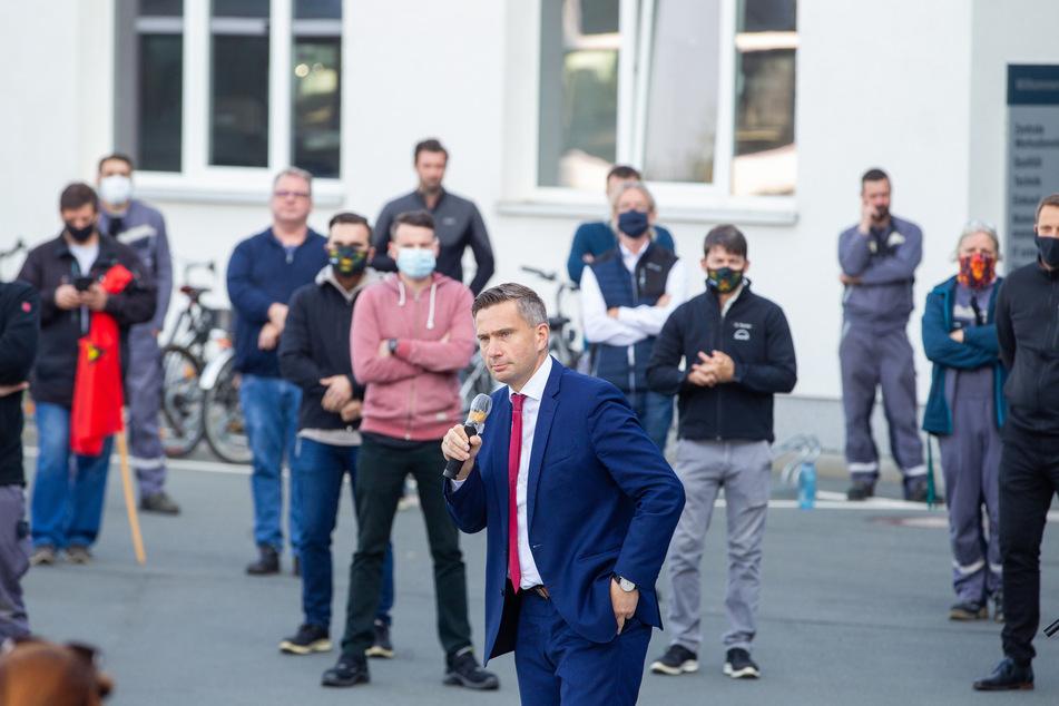 Voriges Jahr hatte sich Wirtschaftsminister Martin Dulig (46, SPD) beim MAN-Vorstand in München für einen Erhalt des einzigen ostdeutschen MAN-Werkes eingesetzt.